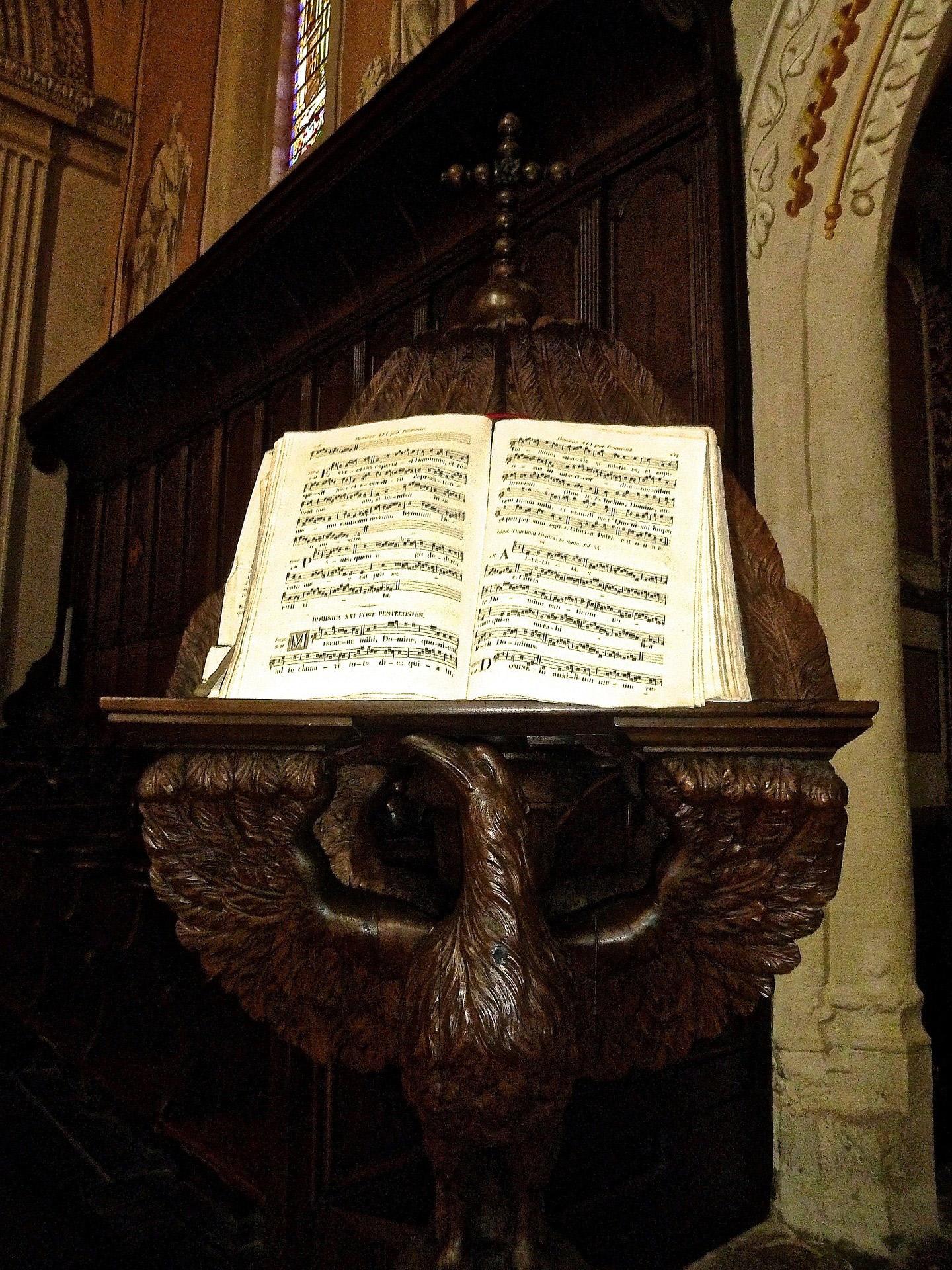 messe d'enterrement en chant église obsèques religieuses cérémonie catholique funéraire musique chant obsèques aria