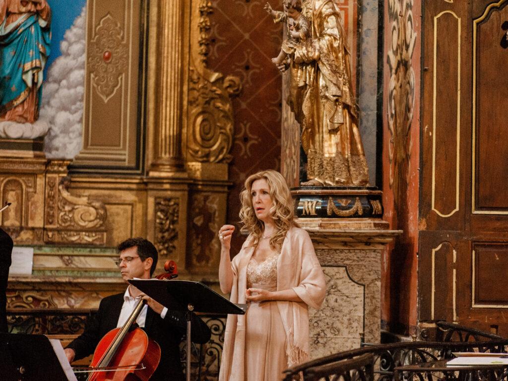 aria messe d'enterrement en chant chanteuse musique enterrement obsèques