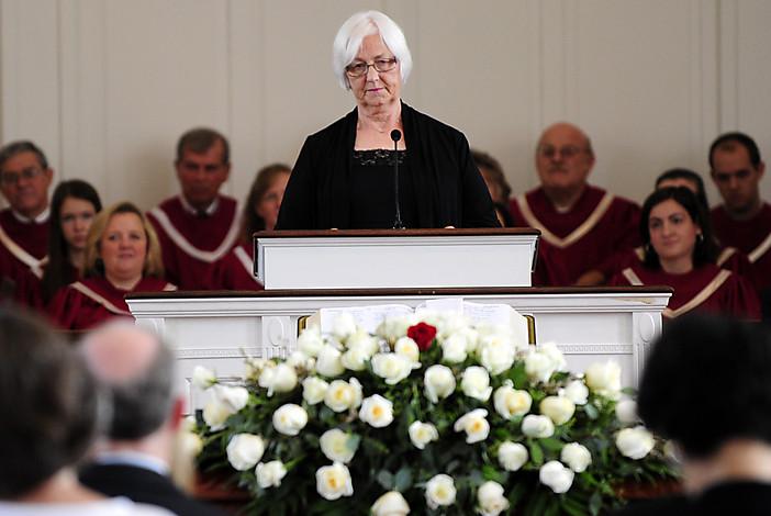 comment faire une prise de parole obseques discours d'enterrement aria