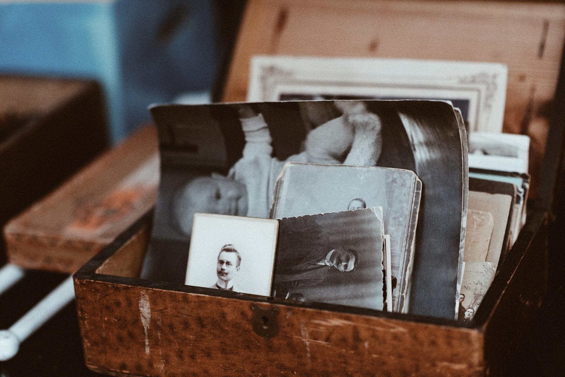 rassembler des souvenirs photos aria ecrire un eloge funebre